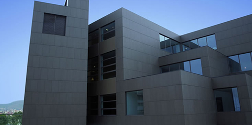 Fachadas ventiladas discesur madrid for Ceramica para fachadas exteriores