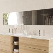 Decoración de un baño con vestidor