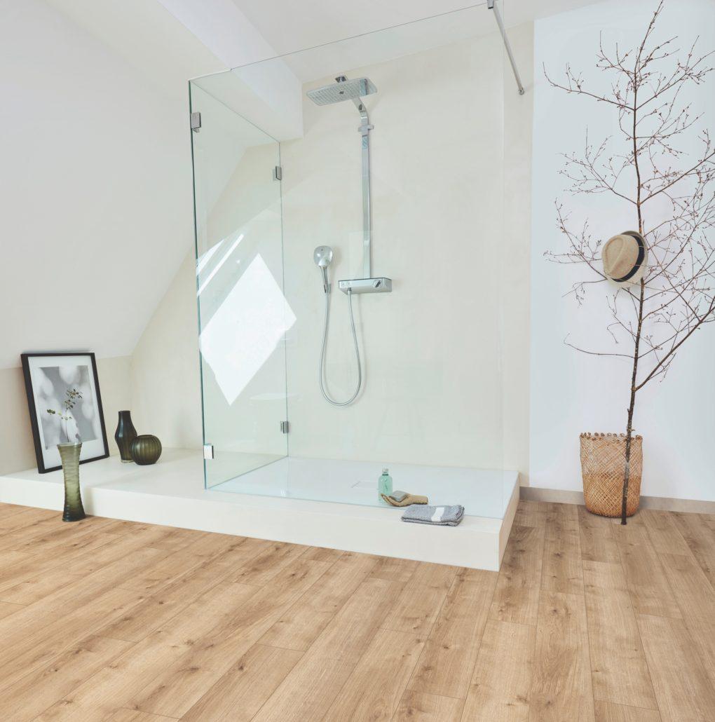 Colección de suelo para el baño de pavimentos elásticos 'Modular One' de Parador.